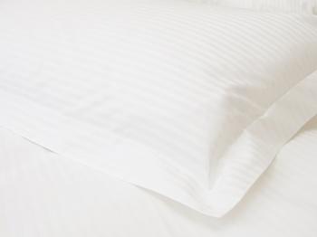 Постельное белье Белое постельное белье «Mini stripes» Семейный за 4 650 руб