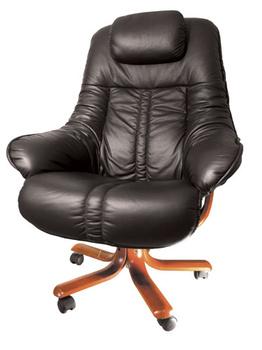 Кресла для руководителей Кресло руководителя Lotus за 57 427 руб
