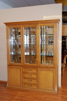 Шкафы для гостиной Верона 2870 шкаф для посуды 3-х дверный за 65 398 руб