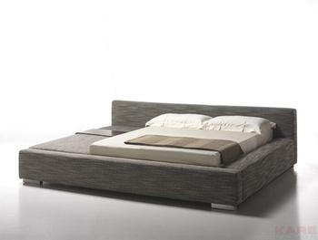 Кровати Кровать Un Po Di Piu 2 160 см с левой стороны KARE + Studio Divani за 191 700 руб
