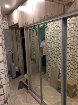 Встроенные шкафы-купе Шкаф купе зеркальный за 12 000 руб