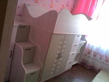 Комплект мебели Детский гарнитур с выдвижным столом за 28 000 руб