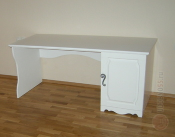 Корпусная мебель Стол классический за 22 920 руб